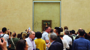 VIDEO – PARIS, FRANCE – OCTOBER 04, 2018: Visitors at Louvre museum Mona Lisa art galleries, stock video - Starpik Stock