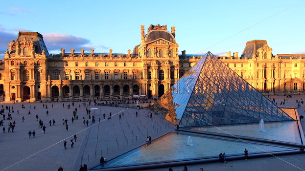 VIDEO – Visitors at Louvre museum art galleries, square and buildings, stock video - Starpik Stock