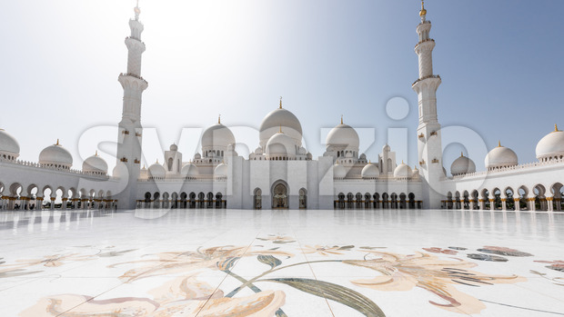 The famous Sheikh Zayed Grand Mosque from Abu Dhabi, United Arab Emirates. A unique toursitic atraction in UAE, that was inspired from middle East's Stock Photo